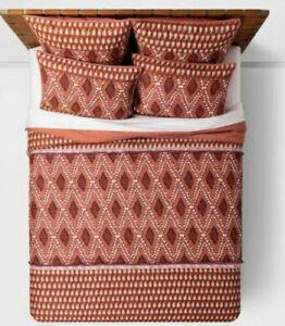 Opalhouse  Global Paisley 2PC TWIN XL Quilt / Sham Set Fringe Rust New Boho