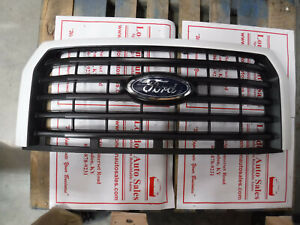 FACTORY OEM USED 2015-17 FORD F150 XLT GRILLE FL348200