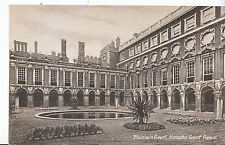 Middlesex Postcard - Fountain Court - Hampton Court Palace     ZZ3558