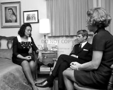 ROBERT & ETHEL KENNEDY w/ CORETTA SCOTT KING IN APRIL, 1968 - 8X10 PHOTO (AZ995)