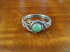 Stone Sterling Silver 925 Ring Size 7 Leaf and Rope Look with Green Speckle