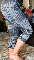 Nike Pro Women's Training Tights Small Black Grey Print Gym Training 811486 NWT