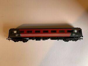 Hornby - OO Gauge - Virgin - Coach - Used
