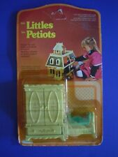 VINTAGE MATTEL 1980 THE LITTLES FRENCH CANADIAN VERSION BEDROOM ARMOIRE & CRADLE