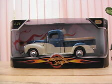 "FORD  Pick up ""American Graffiti""	1940 Échelle 1/24éme NEUF"
