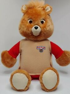 Vintage 1992 Teddy Ruxpin and 1 Cassette. **CLICKING SOUND BUT DOESNT PLAY**