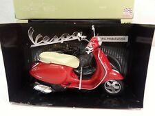 NEW RAY MODELLINO MOTO VESPA PIAGGIO PRIMAVERA 2013,SCALA 1:12,DIE-CAST