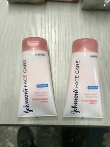 2 x Johnsons Daily Essentials Face Cream Wash 150ml Y7