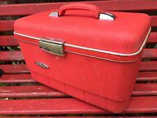 VINTAGE FORECAST BRAND LIPSTICK RED TRAIN CASE/OVERNIGHT SUITCASE