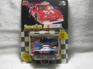"# 43  "" RICHARD PETTY ""  NASCAR 1/64 DIECAST RACING CHAMPIONS 1991"