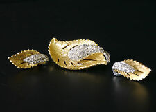 Vintage demi parure leafy brooch & clip-on earrings w/ rhinestone centers NICE