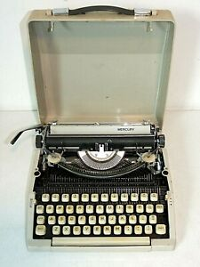 Vintage ROYAL MERCURY Portable TYPEWRITER with Case, Works needs ribbon cleaning