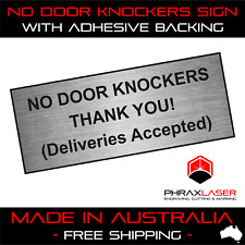 NO DOOR KNOCKERS THANK YOU - SILVER SIGN - LABEL - PLAQUE 10CMX4CM