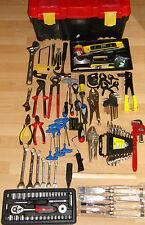 Cofre avec outillage pour  bricoleur, Marque LM avec racaniac et autres outils.