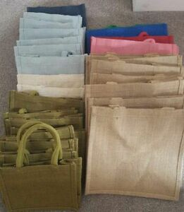 JOB LOT JUTE BAGS MIXED COLOURS IN TWO SIZES