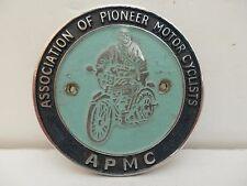 A P M C  Association of Pioneer Motorcyclists. Car Club Badge.