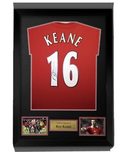 Signed Roy Keane Manchester United shirt in a Ready To Hang  frame COA £229