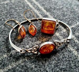 Amber jewellery set