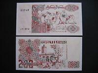 ALGERIA  200 Dinars 21.5.1992  (P138)  UNC