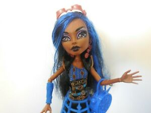 Monster High Robecca Steam Doll with accessories