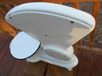Antique White Porcelain Fisher Scientific Co. / Eimer and Amend UofM Baby Scale?