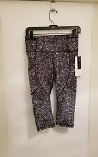 """Lululemon Outrun 17"""" SZ 6 Crop NWT SHWA/BLK MultiColor Full On Luxtreme"""