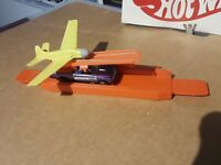Hot Wheels Sky Show Purple With Trigger Track & Yellow Airplane ALL ORIGINAL!!!!