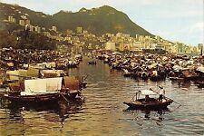 BT13626 Boat people in causeway bay typhoon shelter        Hong Kong