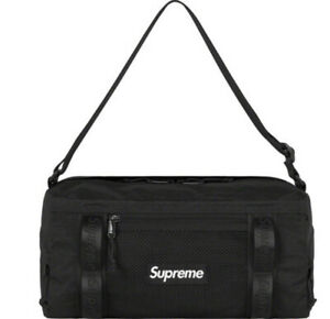 SUPREME MINI DUFFLE BAG BLACK OS/ FW20 (IN HAND) 100% AUTHENTIC, (BRAND NEW)