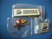 Football. Coupe du Monde 1998. Lot porte clé pin's pendentif  ORIGINAL NEUF