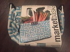 """NEW HOME ESSENTIALS 18"""" BLUE WHITE COLLAPSIBLE ALL PURPOSE MARKET BASKET NIP"""