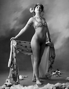 "1917 Spy & Femme Fatale Mata Hari Nude Old Vintage Photo 8.5"" x 11"" Reprint"
