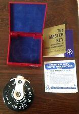 A-440 The Master Key Chromatic Pitch Pipe Instrument-13 Keys-Wm. Kratt Co-Mk2-S