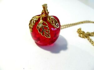 VINTAGE AVON RED APPLE LUCITE WITH LEAF AND RHINESTONE ACCENTS PENDANT NECKLACE