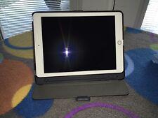 Apple iPad Pro 1st Gen; 128GB; Wi-Fi; 9.7in Screen; Rose Gold; Apple Pen Bundle