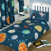 """SOLAR SYSTEM SINGLE DUVET COVER SET + MATCHING 66"""" x 54"""" LINED CURTAINS"""