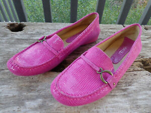 Vaneli Women's Size 9M Slip On Driving Shoes Loafers Flats Embossed Leather COOL