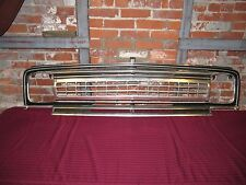 1970 – 1973 Jeep Wagoneer Grille Excellent Condition Early Take-Off