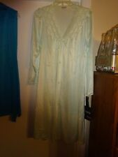 VANITY FAIR Women's Lingerie Gown Robe Nylon Size Small Pale Green NEW with Tags