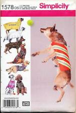SIMPLICITY SEWING PATTERN 1578 LARGE SIZE DOG CLOTHES, T-SHIRT COATS VESTS ROBE