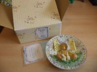 VINTAGE BOXED retired cherished teddies TEDDY BEAR plate 1997 girl with chicks