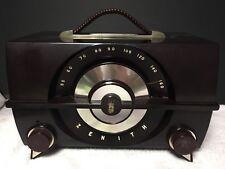 Vintage 1952 Zenith Tube Radio, Model J615, Beautiful Bakelite Case