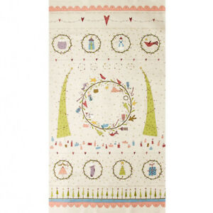 Hatched and Patched Under the Mistletoe Christmas panel. Patchwork. Quilting