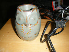Partylite 2-Piece Owl Shaped Electric ScentGlow Warmer #P91519
