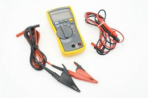 Fluke 110 Plus True RMS Digital Meter 600-Volt Multimeter w/ 2 Sets of Leads
