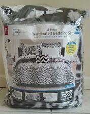 Mainstays 8 Piece Coordinated Bedding Set - Queen Zebra Stripe Sheet Sham Pillow