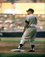 MLB New York Yankees Mickey Mantle 1st Base Color 8 X 10 Photo Picture