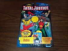 1996 Kenner Hasbro Total Justice ROBIN w/Spinning Razor Disc Action Figure