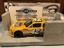 2017 Action Kyle Larson #42 ParkerStore Dover Win 1/24 Autographed 1 of 841