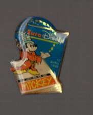 Pin's le journal de Mickey (Eurodisney 12 avril 1992) / signé Disney